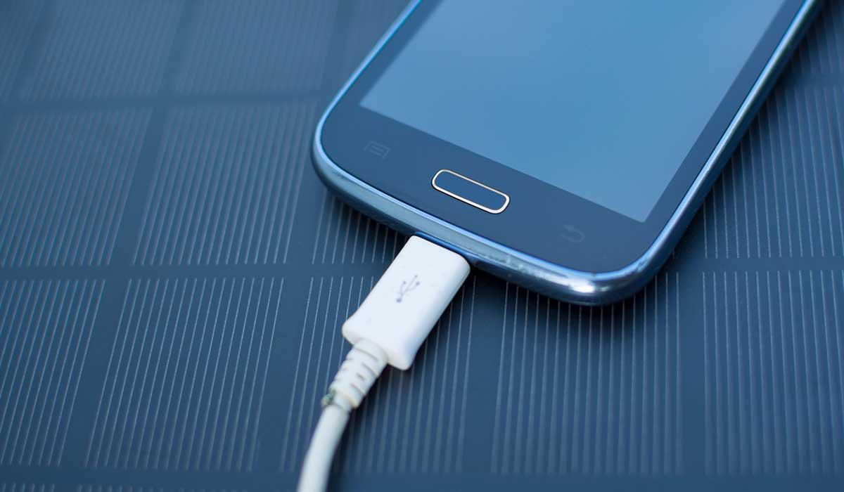 Bruselas propone un único cargador universal para dispositivos electrónicos